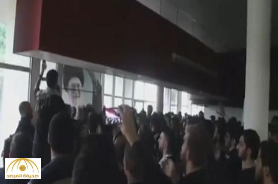 فيديو:بهتافات طائفية..حزب الله يحول قاعة جامعة لبنانية لحفلة لطم لخامنئي