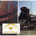 بالصور:اصطدام شاحنة  بجسر للمشاة في جدة تسبب في وقف حركة السير بطريق المدينة