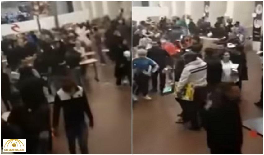 """بالفيديو.. لصوص يستغلون انشغال المغاربة بـ """"الجمعة السوداء"""" ويحطمون محل تجاري"""