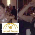 """فيديو: الفنانة """" غادة عبدالرازق """" ترقص في ملهى ليلي و الخمور تملأ المكان"""