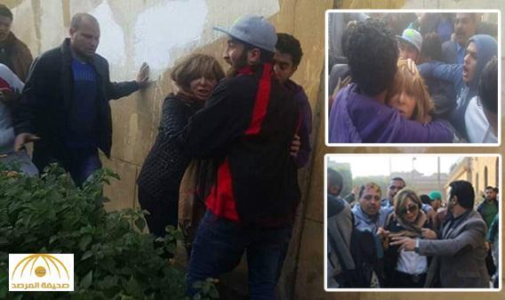 بالفيديو والصور : لميس الحديدي تتعرض للضرب العنيف أمام الكنيسة التي وقع بها التفجير