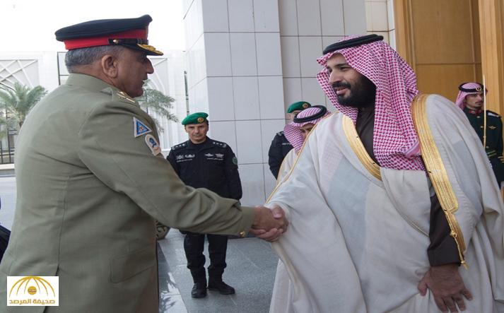 بالصور : تفاصيل اجتماع ولي ولي العهد  مع قائد الجيش الباكستاني في الرياض