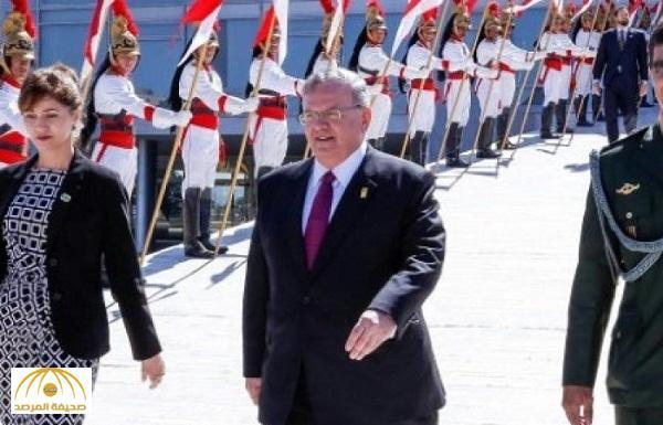 قاتل السفير اليوناني يدلي بتصريحات جديدة للمحققين .. ما علاقة زوجة الضحية بالحادثة ؟