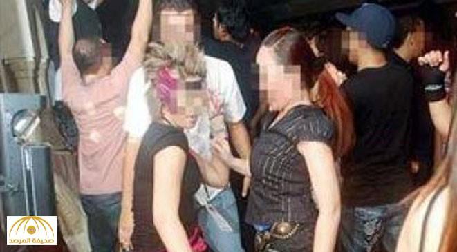 """ضبط 3 لبنانيات وأردني نظموا سهرة """"مختلطة"""" اشتملت على رقص وشرب المسكرات بجدة"""