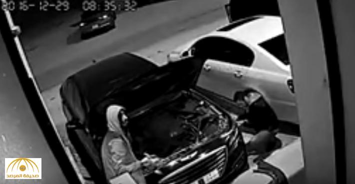 بالفيديو: ضبط تشكيل عصابي تخصص في سرقة أجزاء السيارات ليلا بضاحية لبن
