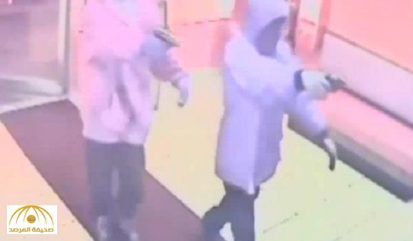 يعملان داخل مطعم .. بالفيديو : مقتل اثنين من جنسية عربية في حادث إطلاق نار بأمريكا