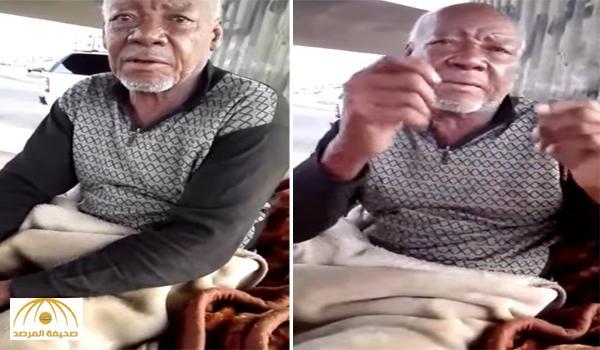 لم يرى أولاده منذ 4 سنوات .. شاهد : مسن ينام تحت كوبري بجدة يروي تفاصيل مؤثرة