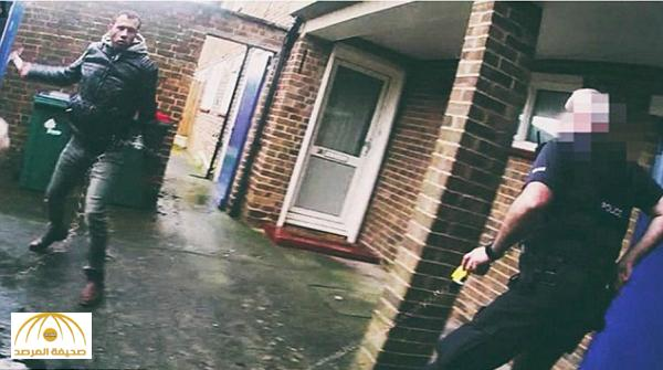 بالفيديو: أفغاني يتسبب في إثارة رعب بمطار في بريطانيا بعد قطع رأس صديقته في هولندا