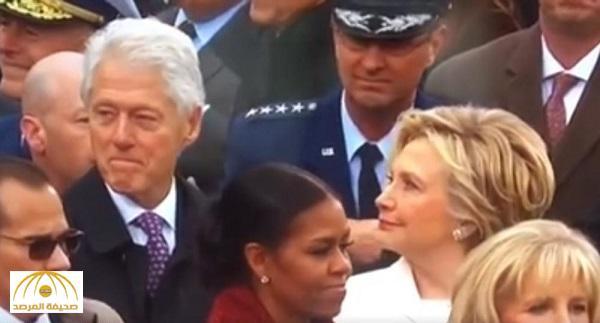 """بالفيديو: ملايين المشاهدات لـ """"فضيحة"""" بيل كلينتون وردة فعل مفاجئة لهيلاري!"""