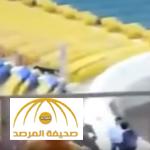 بالفيديو: كلب يقتحم ملعب بالمدينة أثناء المباراة.. ويجري وراء الجمهور في المدرجات