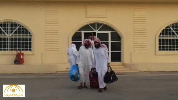 """بالفيديو: بعضهم انضم لتنظيمي """"القاعدة وداعش"""".. بالأسماء قصة 120 سجينا إرهابيا أفرج عنهم قبل 5 سنوات"""