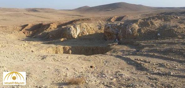 """بالفيديو: مشاهد مروعة من داخل حفرة """"الرعب"""" التي خصصها داعش للعراقيين .. لن تصدق حجمها ومشاهد الجثث المرمية على أطرافها!"""