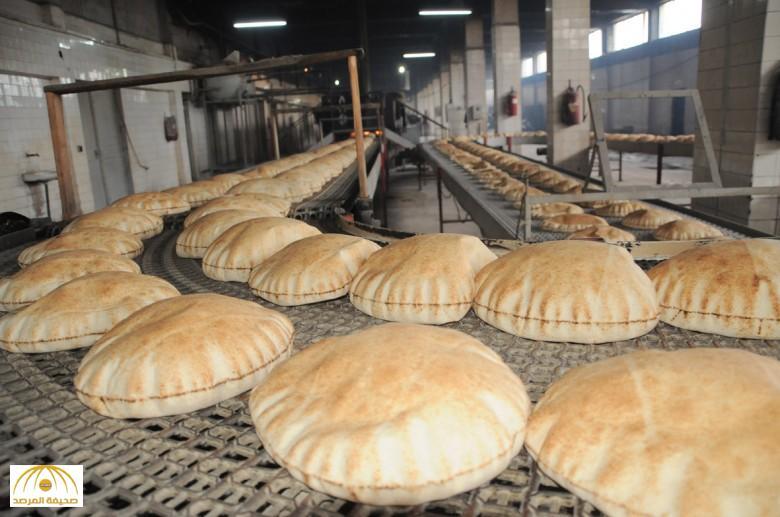 """""""التجارة"""" توضح حقيقة رفع الدعم عن الخبز.. وقيام """"المخابز"""" بخفض حجم وعدد الرغيف"""