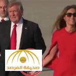 """«فيديو صادم» شاهد..ماذا فعل """"ترمب"""" مع زوجته أمام الحضور في مطار بولاية فلوريدا؟!"""