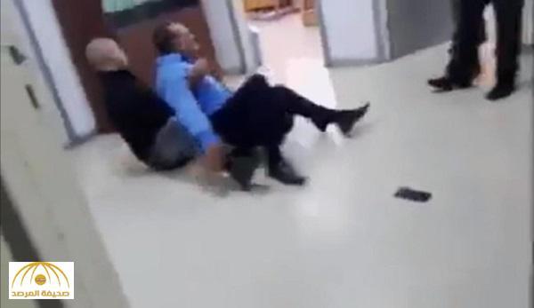 بالفيديو والصور : مشاجرة عنيفة بين وزير أردني ومسؤول