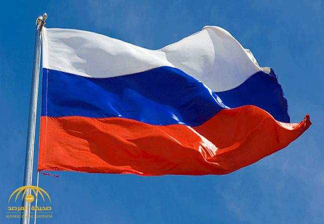 النظام السوري يرفع علم روسيا فوق مطاراته العسكرية تجنباً لاستهدافها