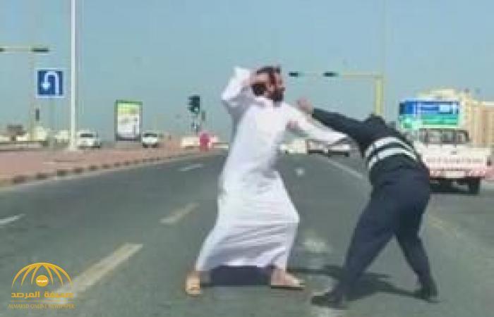 """مصادر تكشف """"مفاجأة"""" عن جنسية رجل المرور """" المعتدى عليه"""" في الكويت وسبب اندلاع المشاجرة"""