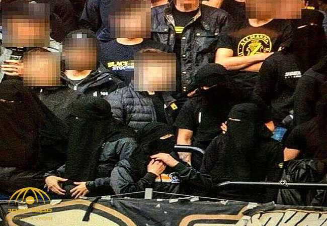 لماذا ارتدت الجماهير السويدية النقاب الإسلامي داخل الملعب؟-صورة