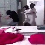بالفيديو: مشاجرة عنيفة بين شقيقين توأم خلال بث مباشر على قناة بداية