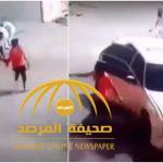 """بالفيديو: """"على الطريقة الهوليودية قيّدوا الضحية وطرحوه أرضًا""""..سطو  على محطة وقود بحي النسيم !"""