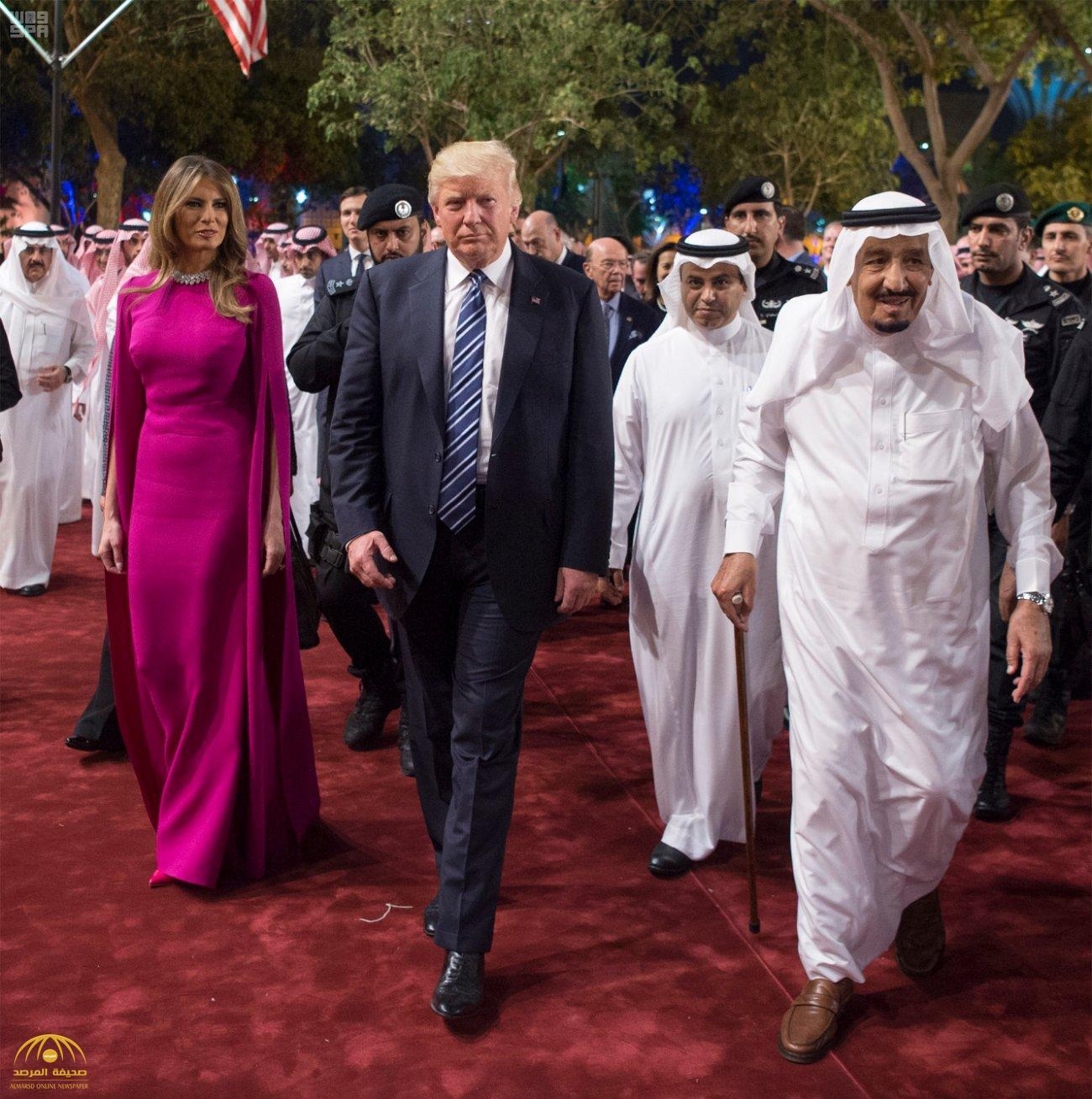 شاهد بالصور .. لحظة استقبال خادم الحرمين لضيفه الكبير الرئيس ترمب في قصر المربع
