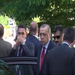 بالفيديو:أردوغان يراقب بنفسه اشتباك حرسه ومتظاهرين بواشنطن