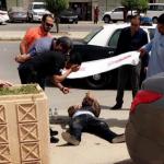 فيديو وصور :سطو مسلح على مقيم  أمام أحد البنوك وسرقة مبلغ بحوزته في حي الورود بالرياض