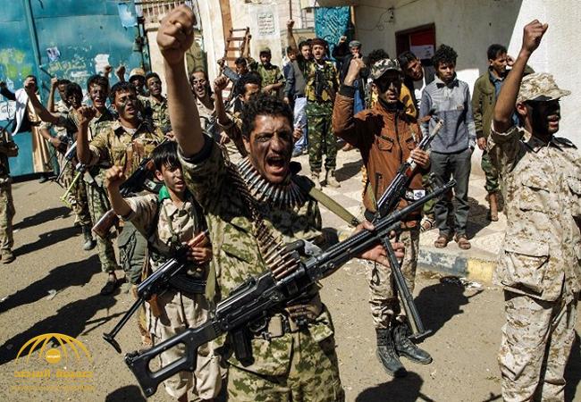 """""""صفعة"""" تتسبب في إقالة وزير حوثي ومحاصرة مقر الوزارة"""