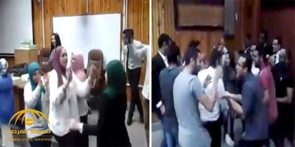 فيديو: رئيسة قسم بجامعة مصرية تحول الكلية إلى حفلة رقص ..شاهد كيف نسيّت نفسها تمامًا!