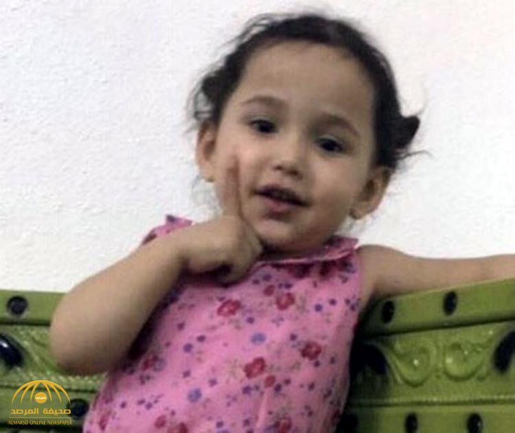 """""""شرطة الرياض"""" تعلن القبض على خاطفة الطفلة """"شوق"""" من داخل أحد الأسواق بالرياض"""