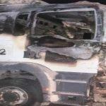 بالصور .. الميليشيات الحوثية تستهدف شاحنات تحمل مساعدات للشعب اليمني بعبوات ناسفة