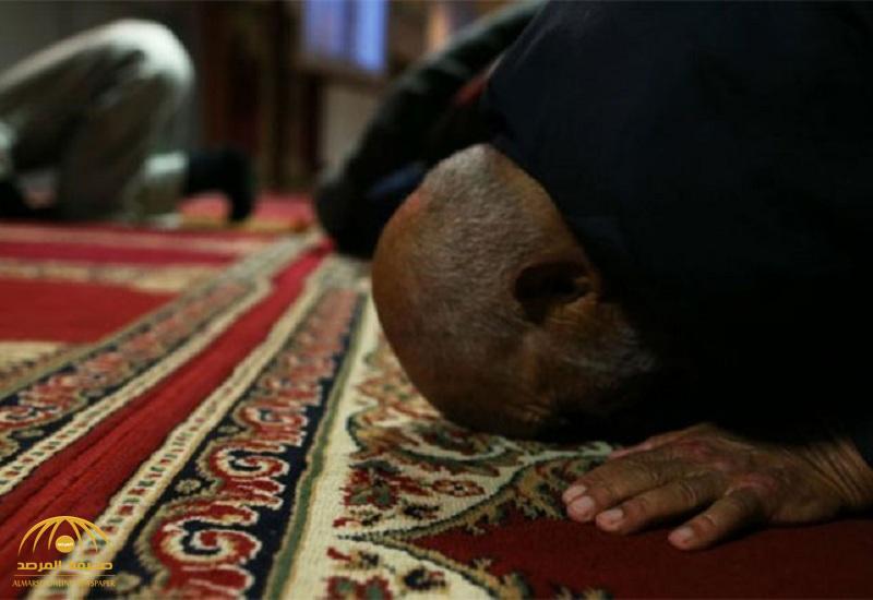 """""""الحوثيون"""" يمنعون """"التراويح"""" بالمساجد ويجبرون الأئمة على توقيع تعهدات بعدم الصلاة ! – فيديو"""
