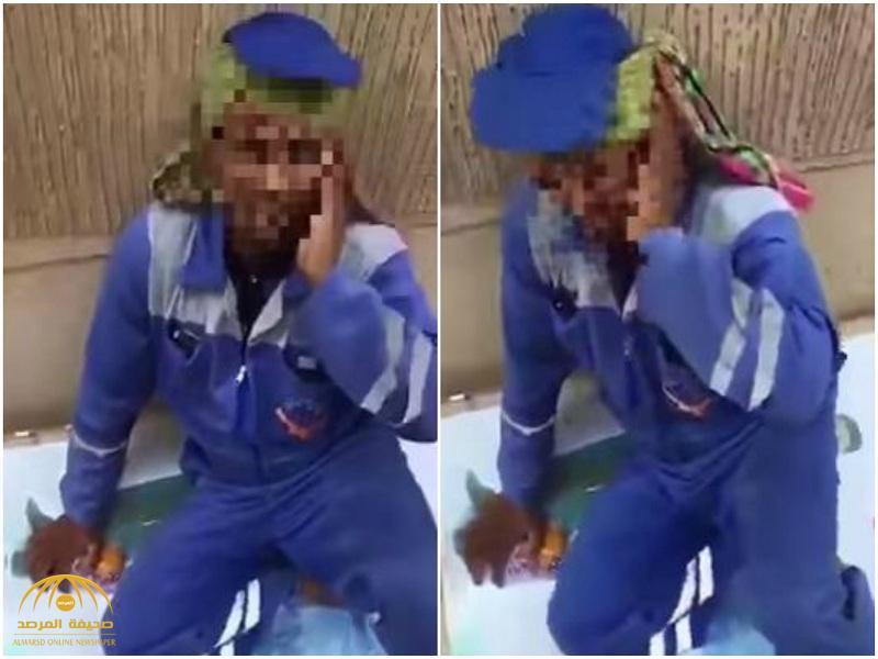 شاهد : شاب يصفع عاملاً لتناوله وجبة في نهار رمضان!