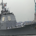 سفينتان حربيتان أمريكيتان تصلان قطر..بعد ساعات من صفقة الطائرات!