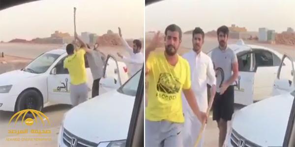 شاهد .. مواطن يوثق مضاربة بين شباب سعوديون وعندما توقف بسيارته كانت المفاجأة !