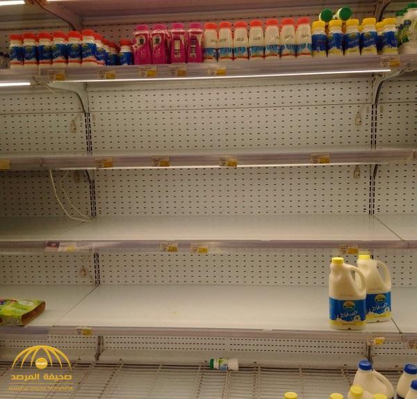 الهلع يجتاح المتاجر في الأسواق القطرية بعد قطع العلاقات – صور و فيديو