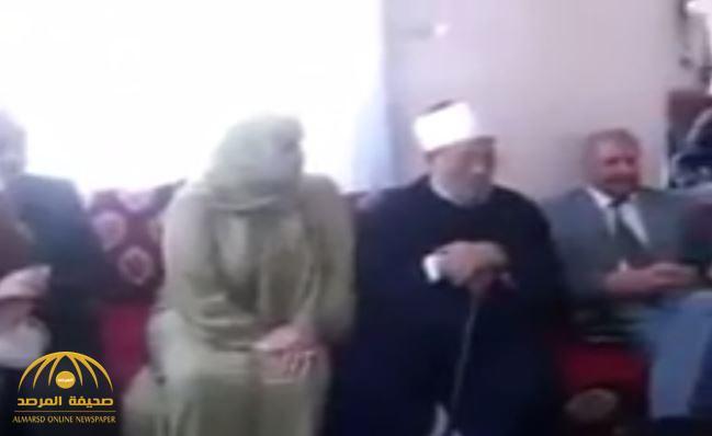 """شاهد فيديو قديم  مسرب لـ"""" القرضاوي"""" في حفل مختلط وموسيقى صاخبة في المغرب"""