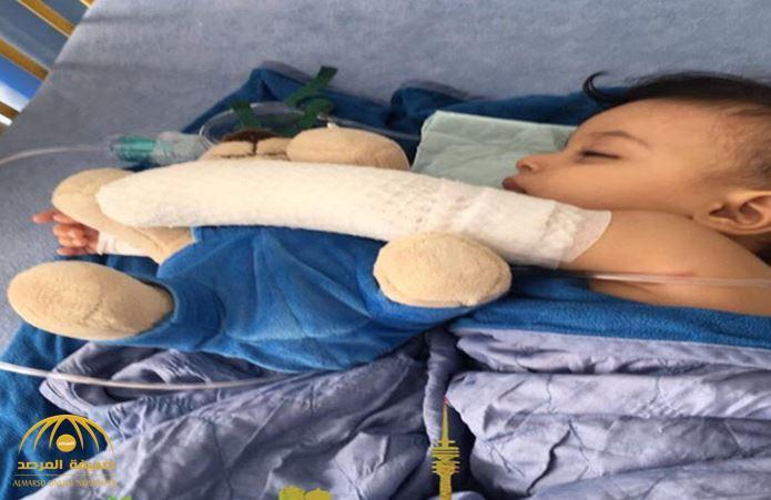 والد الطفل جسار يكشف مستجدات قضية بتر يد ابنه.. هذا آخر ما توصل له الأطباء الألمان!