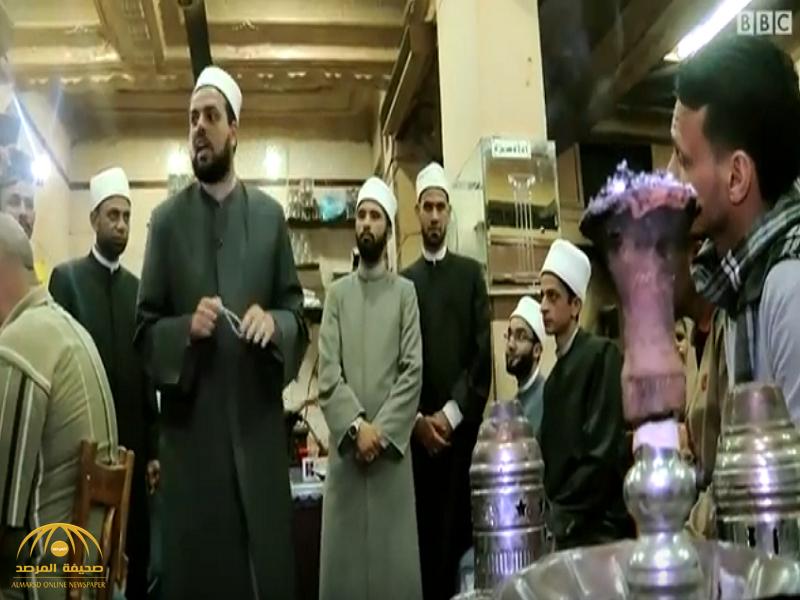 بالفيديو: من أجل محاربة الأفكار المتطرفة .. مقاهي الشيشة في مصر منبر جديد للوعظ والإرشاد!