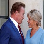 فيديو محرج: الممثل الأمريكي شوارزينجر يقبل زوجة الرئيس الفرنسي ماكرون في باريس