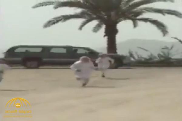 فيديو .. شاهد ماذا فعل هؤلاء  بجهاز «ساهر» في نجران