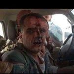 شاهد لحظة القبض على طيار شبيح أسقطت طائرته من قبل الجيش السوري الحر في البادية!