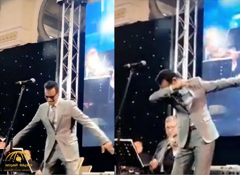 """شاهد: الفنان رابح صقر يواصل التحدي برقصة """"الداب"""" في القاهرة..والمخدرات تعلق"""
