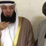 """شاهد.. آخر فيديو للداعية الكويتي """"وليد العلي"""" مع شاب أعلن إسلامه قبل مقتله بيوم في بوركينا فاسو"""