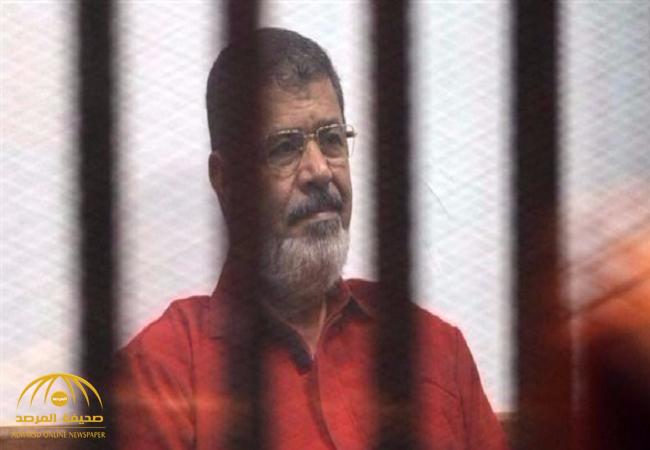 """حكم نهائي  بالسجن  المؤبد للرئيس المصري السابق """"محمد مرسي """" بتهمة التخابر مع قطر !"""