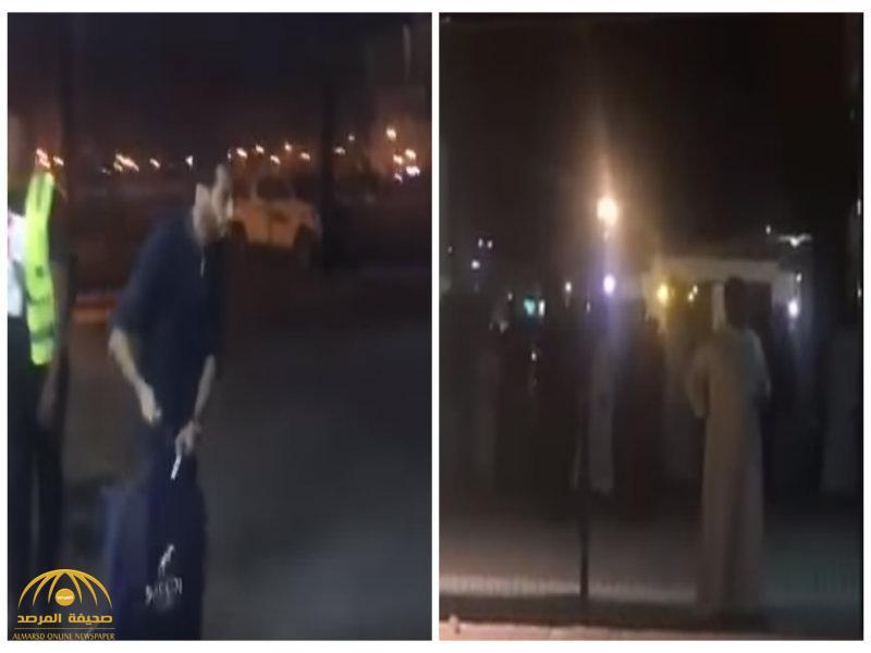 """خلاص سامي ما ينفع ..جماهير نادي الشباب تفتح النار على """"الجابر"""" وتطالب برحيله !-فيديو"""