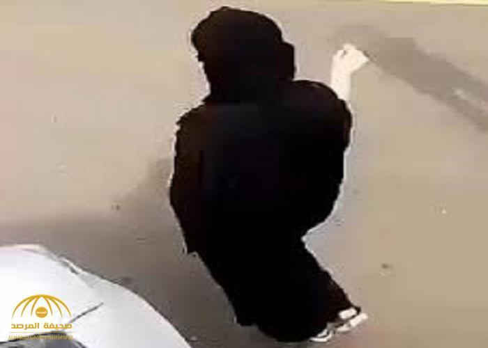 """تفاصيل تحرش سائق بطالبة أمام مدرسة في""""الرياض"""".. وهكذا جاء رد فعل الفتاة!"""