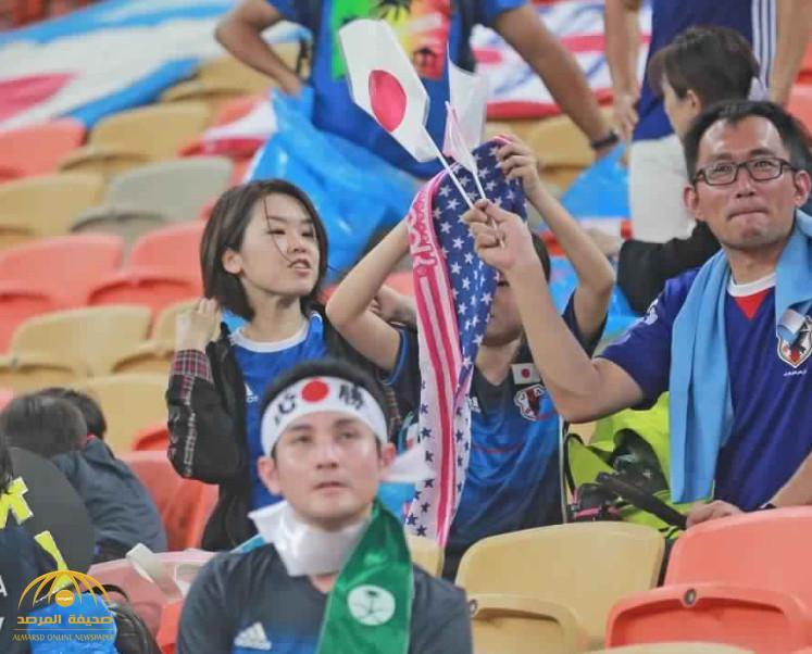 تغريدة مشجع ياباني أثارت اهتمام السعوديين..ماذا قال عندما شاهد الجماهير تصلي في الملعب-صورة