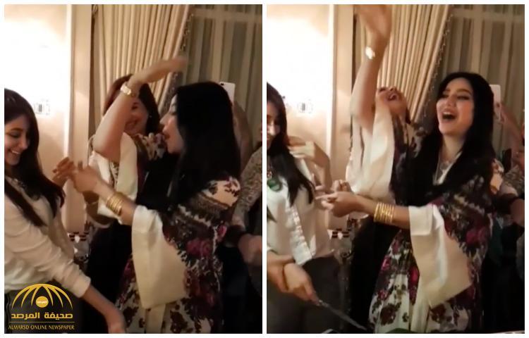 شاهد .. لجين و أسيل عمران ومهيرة وعلا الفارس وأخريات يرقصن إحتفالاً بيوم المملكة الوطني