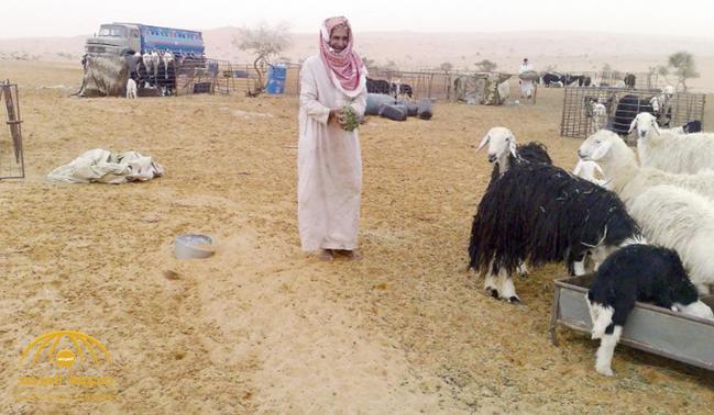 """ناهز 100 عام .. المعمر """"ملفي الحربي"""" يرفض المرأة ويسكن الصحراء!"""